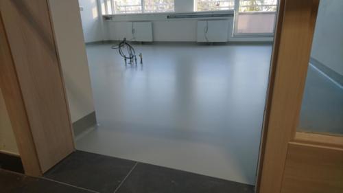 interíérové lité podlahy
